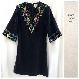 ♦️VINTAGE♦️ Embroidered Black Velvet Tunic DRESS